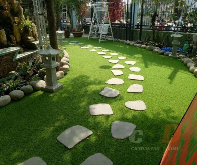 Thảm cỏ nhân tạo trang trí quán cafe
