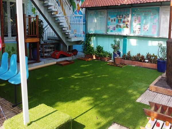 Thảm cỏ nhân tạo trang trí trường mầm non