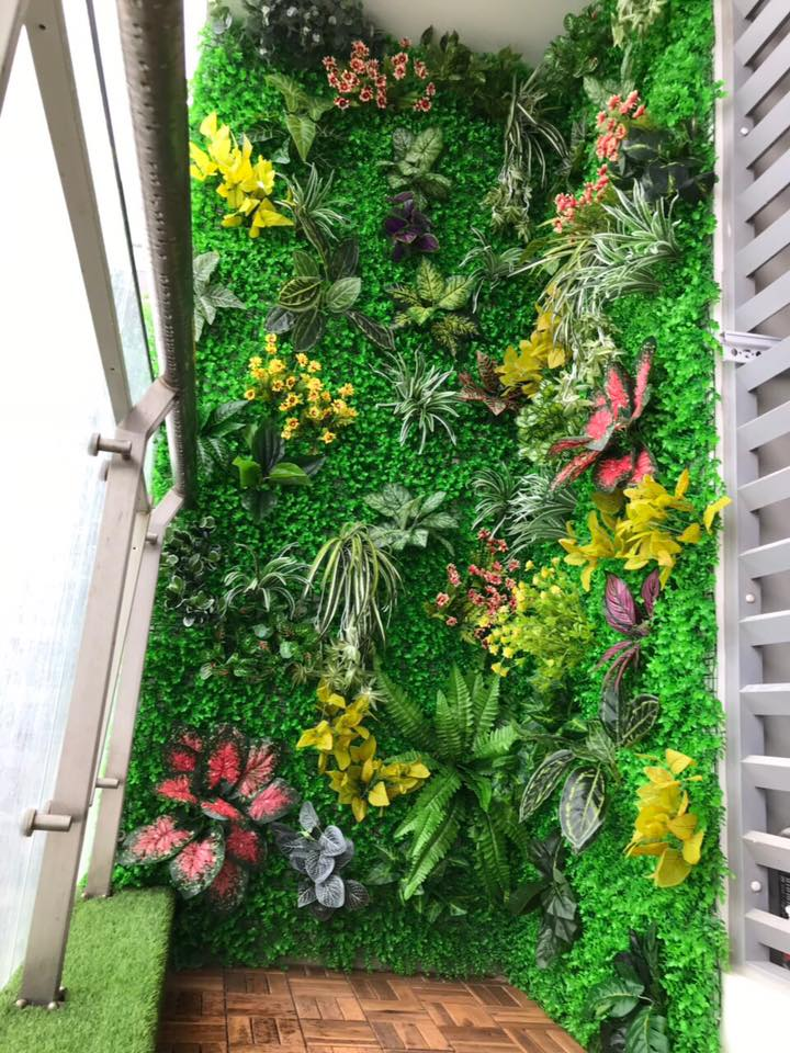 Tường ban côngtrang trí cỏ tai chuột điểm cành