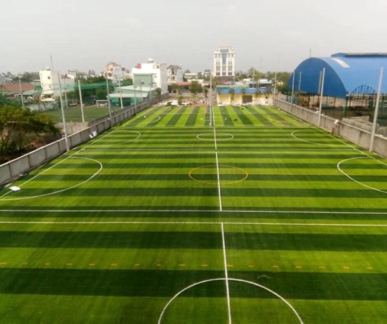 Thi công sân bóng đá cỏ nhân tạo Bình Dương
