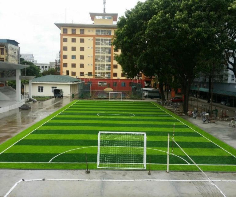 Thi công sân bóng đá cỏ nhân tạo Vĩnh Long
