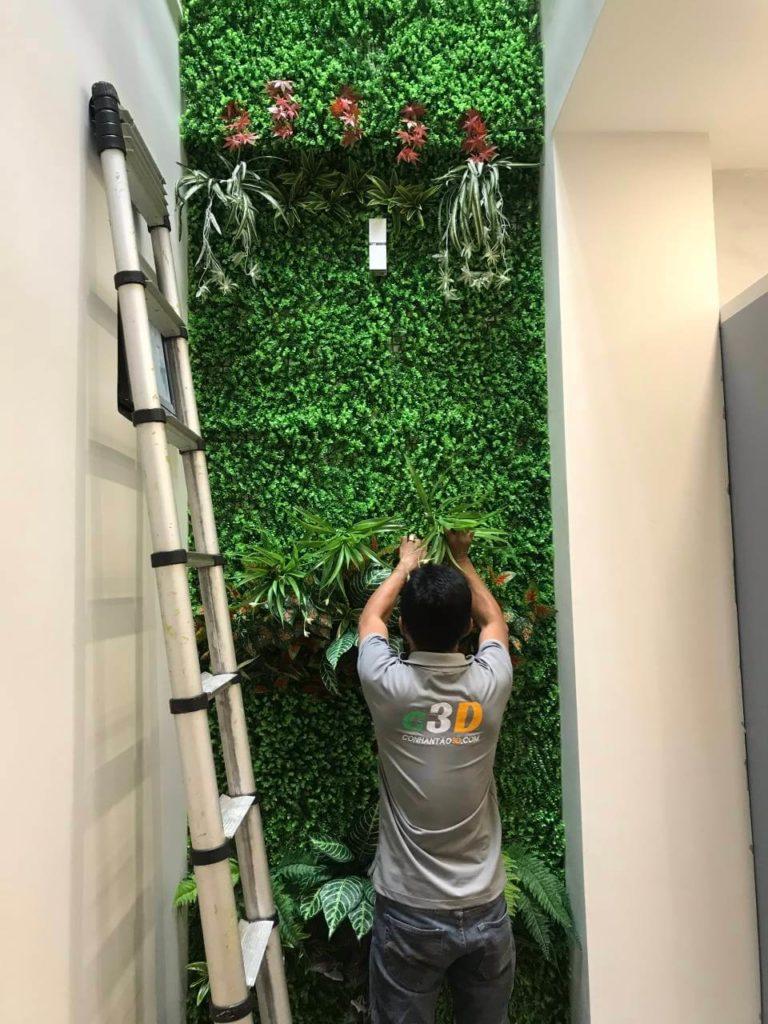 Cỏ nhân tạo trang trí tường ban công cây lá giả